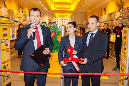 Gwiazdy Z Dziećmi Oraz 5 000 Tysięcy Fanów Klocków Lego Na Otwarciu