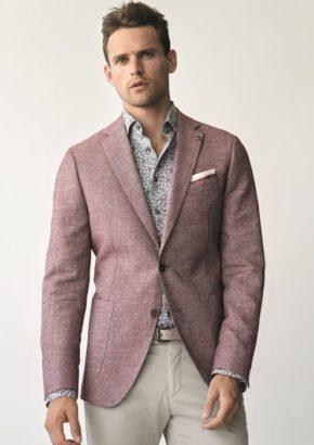 f522817074823 Dodające stylu stebnówki w tym samym kolorze co marynarka czy spodnie,  wpadające w oko guziki i modne ozdobniki. Digel przyzwyczaił swoich  klientów do ...